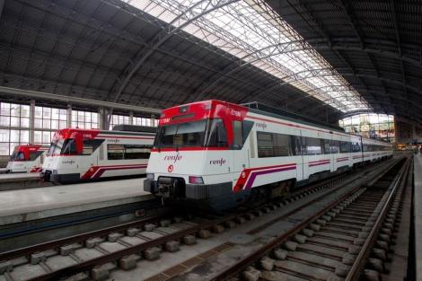 Trenes de Renfe en la estación de Abando Indalecio Prieto de Bilbao. | Mitxi