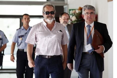 Juan Lanzas, a su llegada al Parlamento. | J. Morón