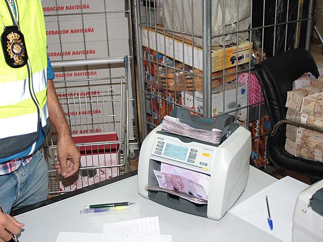 http://estaticos01.cache.el-mundo.net/elmundo/imagenes/2012/10/16/espana/1350403696_2.jpg
