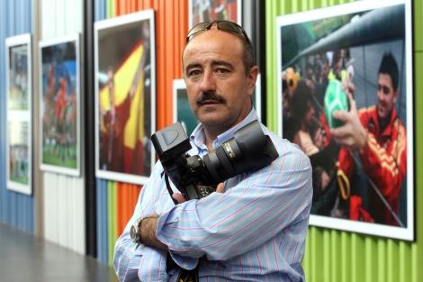 Ordóñez, en una exposición después de la Eurocopa de fútbol de 2008. | Foto: R. Cacho / Ical