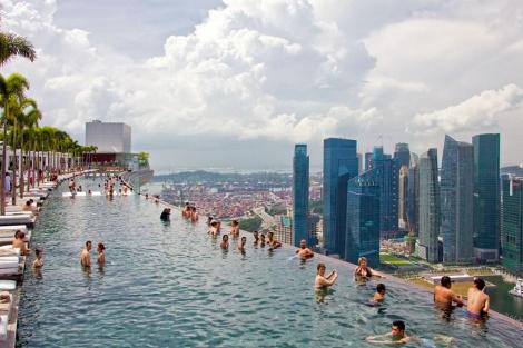 Vista de Singapur desde uno de sus hoteles de lujo. | EL MUNDO