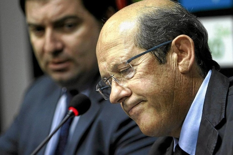 El presidente del Valencia CF, Manuel Llorente, con gesto serio | José Cuéllar