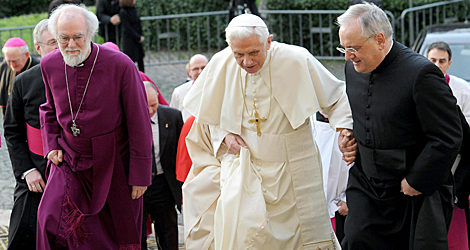 Rowan Williams, actual arzobispo de Canterbury, con el Papa Benedicto XVI | Efe