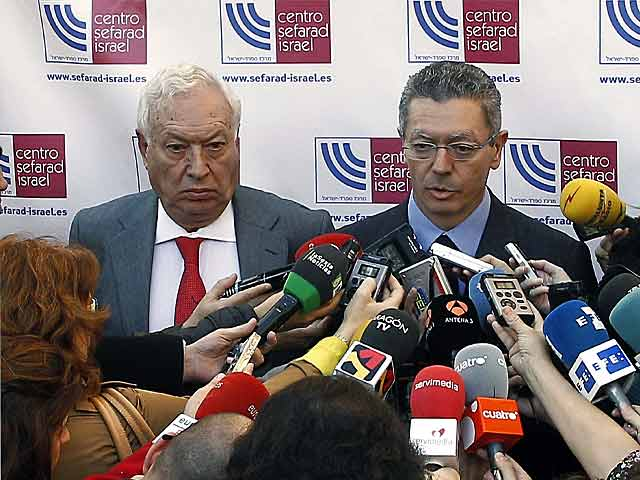 El ministro de Asuntos Exteriores, José Manuel García-Margallo y el ministro de Justicia, Alberto Ruiz-Gallardón. | Ballesteros / Efe