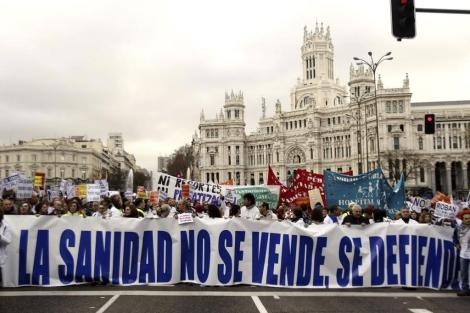 Cabecera de la manifestación en la Plaza de Cibeles de Madrid. | Efe