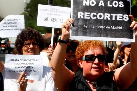 Funcionarios se manifiestan contra los recortes, en Madrid. | Javier Barbancho