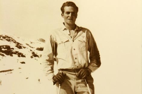 Don Juan Carlos, practicando el esquí en su juventud. | Archivo personal del autor