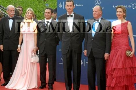 El Rey, con <b>Corinna</b> y los duques de Palma en los premios Laureus 2006. | D.R.