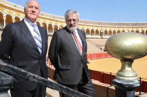 Ramón Valencia y Eduardo Canorea en la Maestranza de Sevilla. | Carlos Márquez