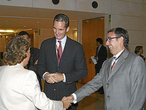 Torres saluda a la alcaldesa de Valencia en presencia de Urdangarin en 2007. | Guillermo Lucas