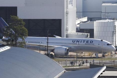 Un Boeing 787 de United Airlines estacionado en Houston.   Reuters