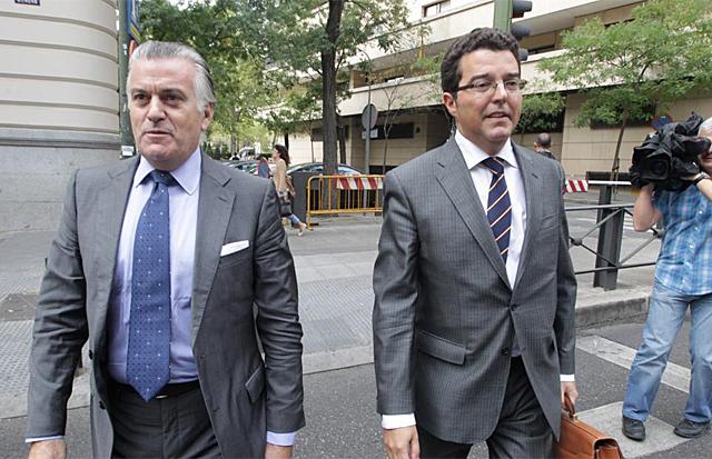 Luis Bárcenas a la salida de la Audiencia Nacional. | Paco Toledo