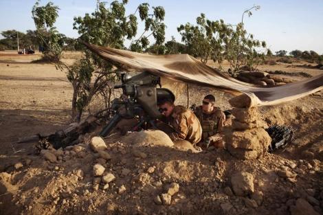 Soldados franceses toman posiciones en Markala. | Reuters