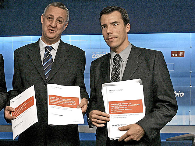 Jess Caldera y el destituido Carlos Mulas, en una imagen de 2008. | Diego Sinova