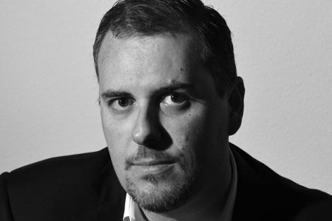 El escritor murciano Antonio Manzanera, autor de 'El Informe Müller'. | ELMUNDO.es