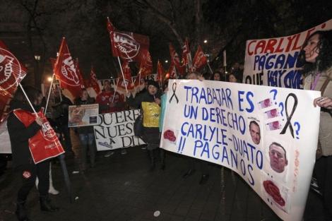Trabajadores de Orizonia se manifiestan frente a la sede del Ministerio de Industria. | Efe