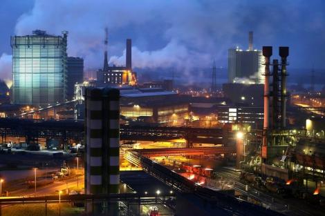 Foto de archivo de 2012 del grupo siderúrgico ThyssenKrupp en Duisburgo (Alemania). | Efe