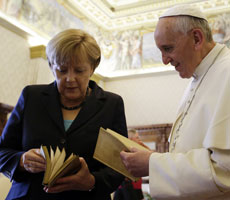 El Papa y Merkel tras su reunin.| Reuters