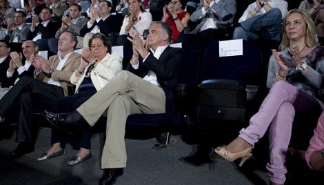 Barberá cambia su asiento y evita estar al lado de Castedo mientras habla Soria. | Vicent Bosch