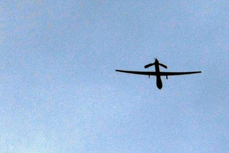 Un 'drone' estadounidense vuela sobre territorio afgano. | Afp