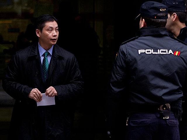 Gao Ping, al salir de la Audiencia Nacional tras declarar el pasado 20 de marzo. | Gonzalo Arroyo