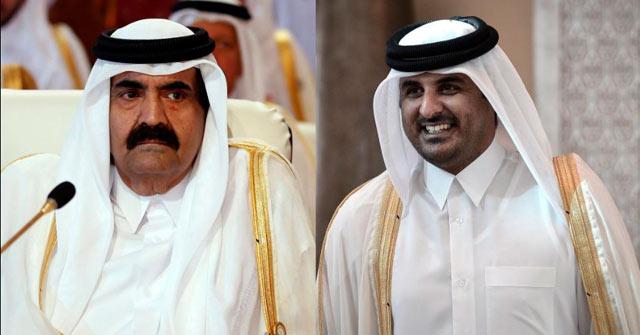 El emir Hamad bin Jalifa al Thani, junto al heredero. | Afp