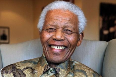 Nelson Mandela en una foto de archivo en 2010.| Afp