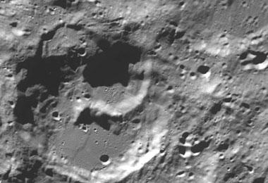 El cráter lunar Newton. | NASA