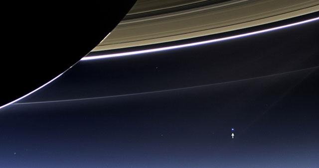 Imagen de la Tierra vista desde Saturno tomada por la sonda Cassini. | NASA