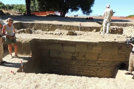 Descubierta muralla púnica en Carteia (San Roque - Cádiz). 1375264637_0