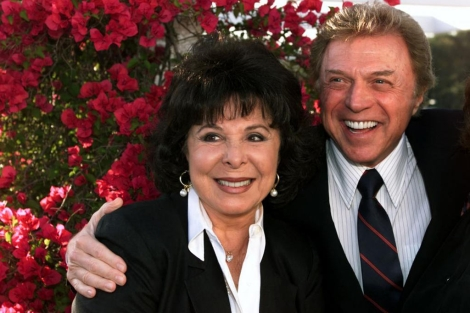 Edyie Gorme junto a su marido, Steve Lawrence.| Reuters