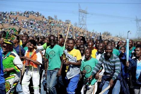 Marchas para conmemorar la matanza en Sudáfrica. | Afp