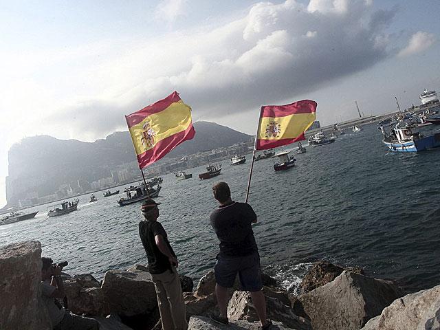 Pescadores de Algeciras se manifiestan frente al Peñón. | Francisco Ledesma