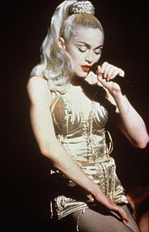 Diseño de Gaultier para Madonna.