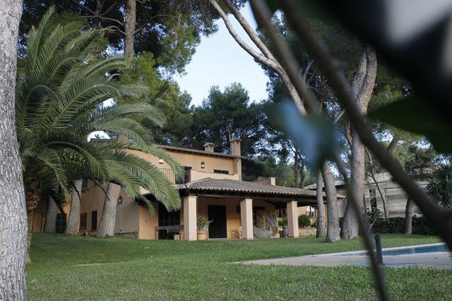 Entre las propiedades inmobiliarias de Díaz Ferrán está este chalet en Mallorca. | C. Forteza