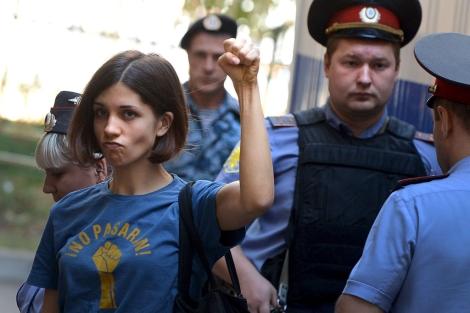 Ha pasado un año de esta mítica imagen protagonizada por Tolokonnikova.| Afp