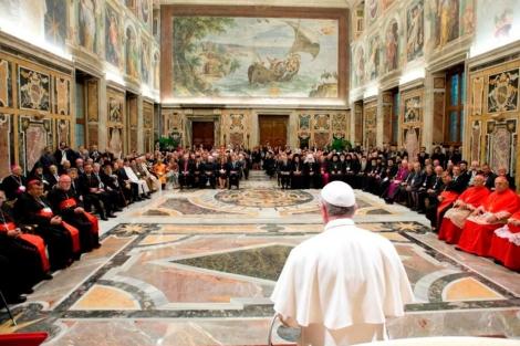 El papa presiden la reunión Internacional por la Paz. | Efe
