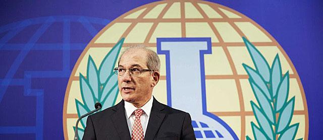 El director general de la Organización para la destrucción de Armas Químicas, en su sede en La Haya. | Efe