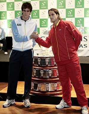 Del Potro y Feliciano durante el sorteo de la Davis. (EFE)