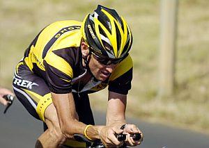 Armstrong entrenando para el Tour. (Foto: AFP)
