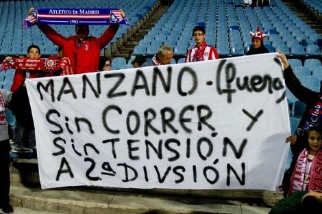 Pancarta pidiendo la destitución de Manzano