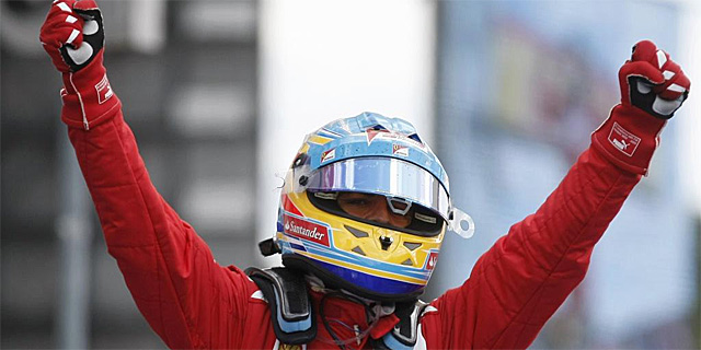 Alonso festeja su triunfo en Alemania. | Reuters