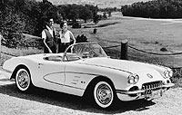 1958. Se introducen los cuatro grupos ópticos traseros, que luego se harían una tradición en el Corvette.