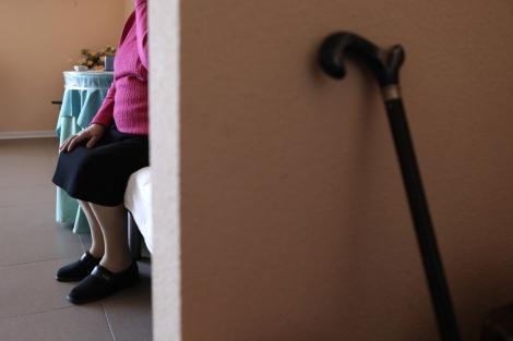 Una persona mayor en una residencia. | Antonio Heredia.