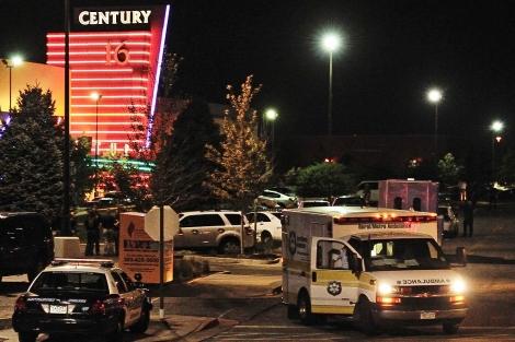 Una ambulancia en el lugar del tiroteo | Efe
