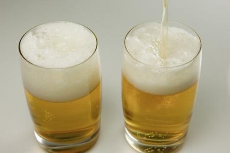 Imágen de dos cervezas.| Gonzalo Arroyo