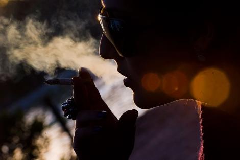 Que será si dejar fumar pero a veces fumar