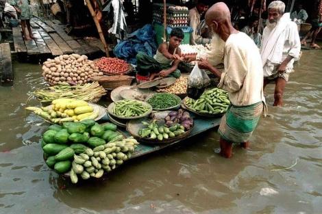 Mercado de verduras en el centro de Khilgaon en la zona de Dhaka, Bangladesh. | Afp