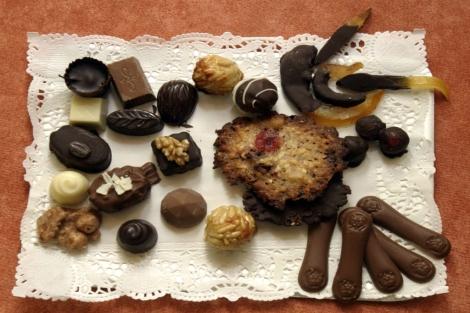 Conjunto de diferentes bombones de chocolate. | Quique Fidalgo