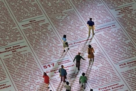 Las personas suelen mentir en su curriculum para encontrar un trabajo. | El Mundo